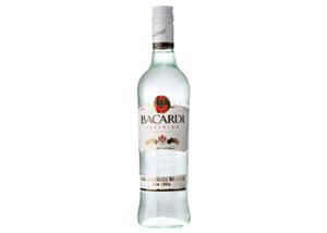 玻璃瓶朗姆鸡尾酒