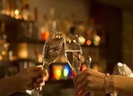 外国人与中国人喝酒的区别,你了解多少?