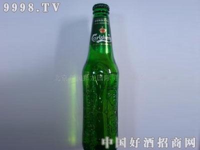 小瓶嘉士伯啤酒