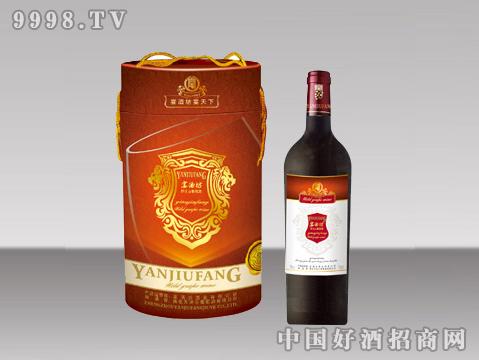 桶装葡萄酒