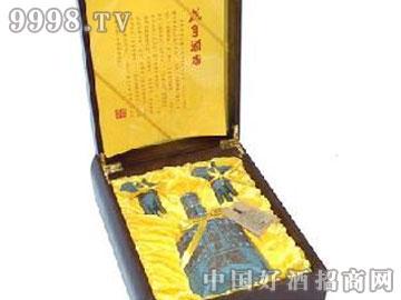 咸亨酒店三十年精品礼盒太雕酒(木盒)