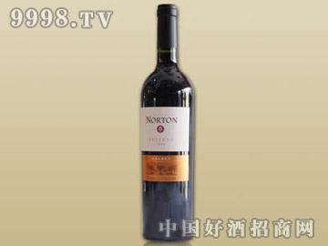 诺顿庄园特酿马儿白克红葡萄酒