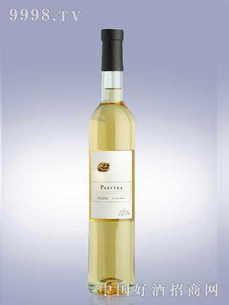 露顿甜白葡萄酒