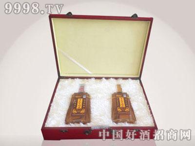 十足养生酒(木盒)