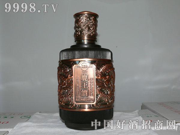 新品鹿王酒