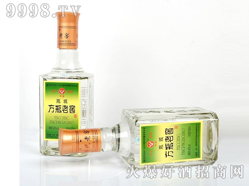 凤城时代方瓶老窖酒40°500ml