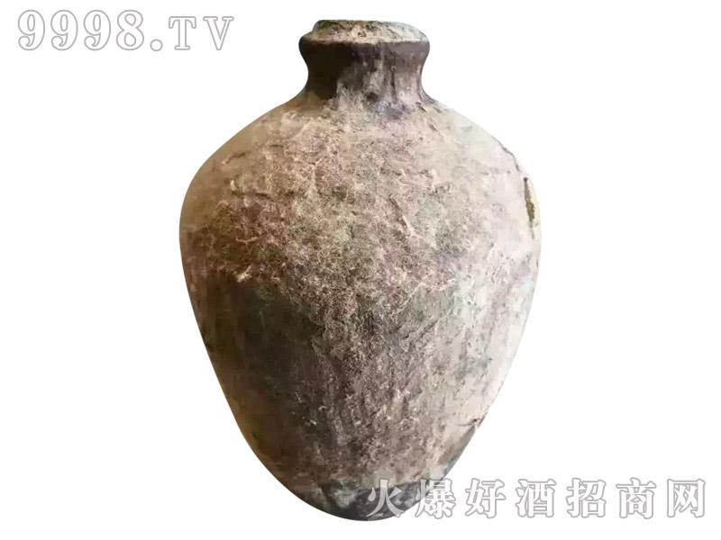 毛宾洞藏封坛老酒