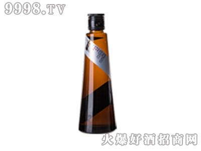青城山猕猴桃乳酒银标初滤