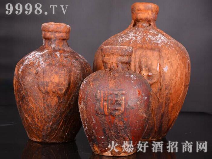 茅台镇 任意门 洞藏老酒1斤、2斤与5斤坛装