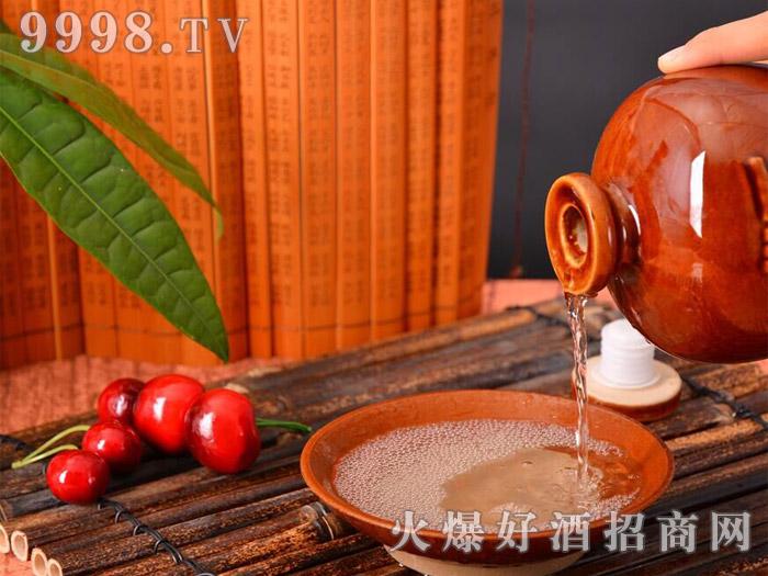 茅台镇 任意门 洞藏老酒1斤、2斤与5斤坛装(产品)