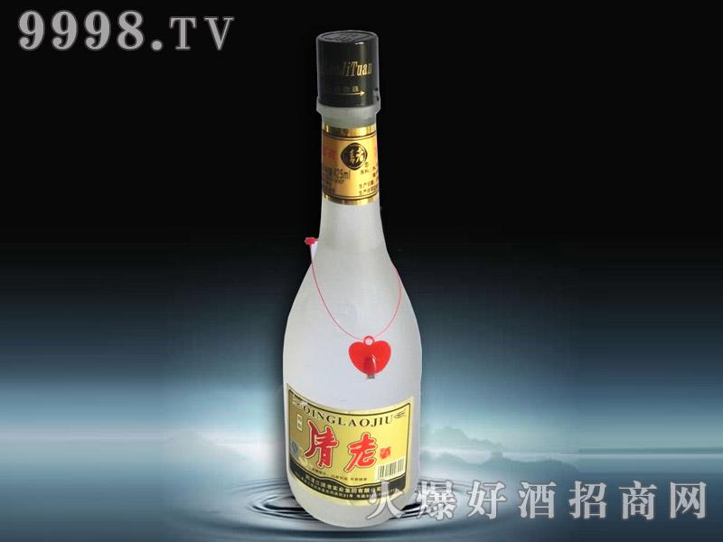 银白瓶装清老酒