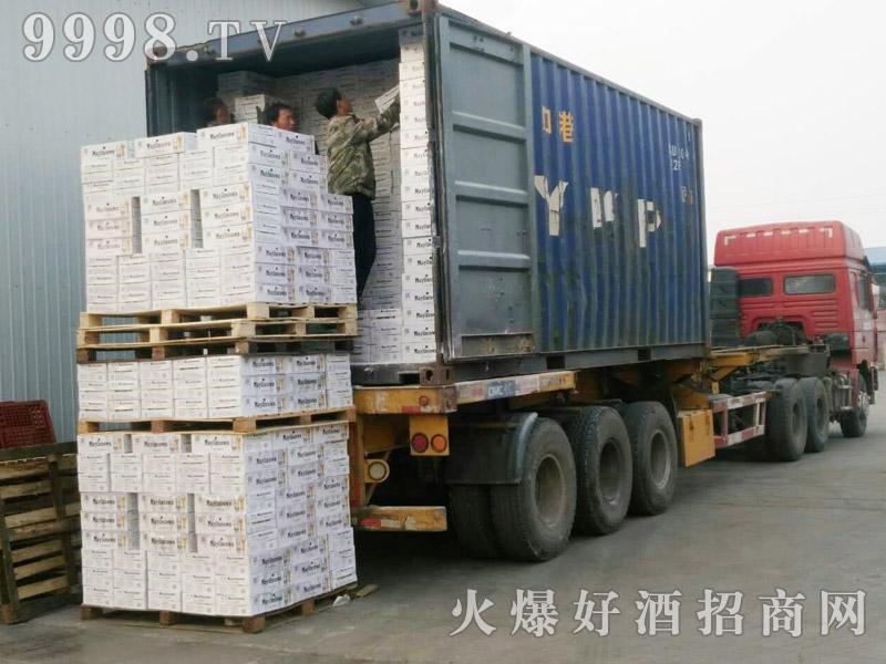 美林小镇啤酒集装箱发货-(1)