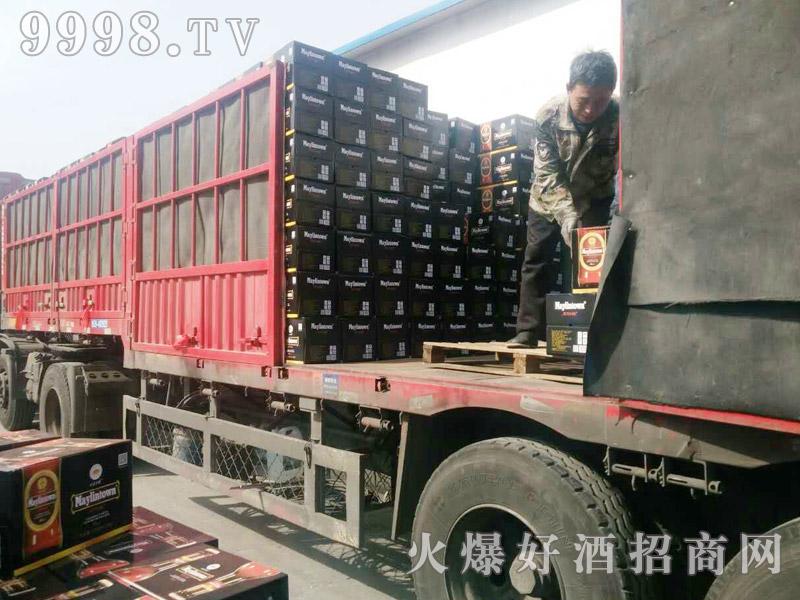美林小镇啤酒汽车运输(38)