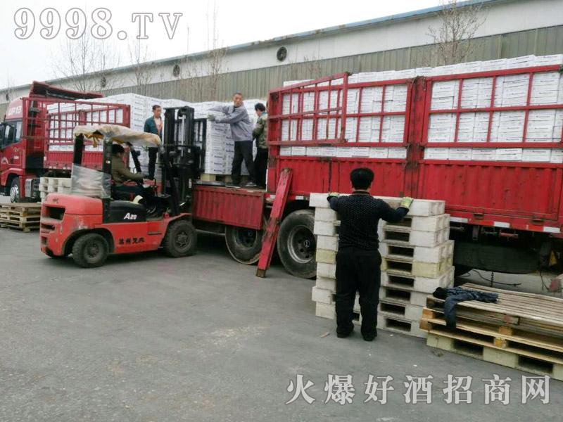 美林小镇千赢国际手机版汽车运输(37)
