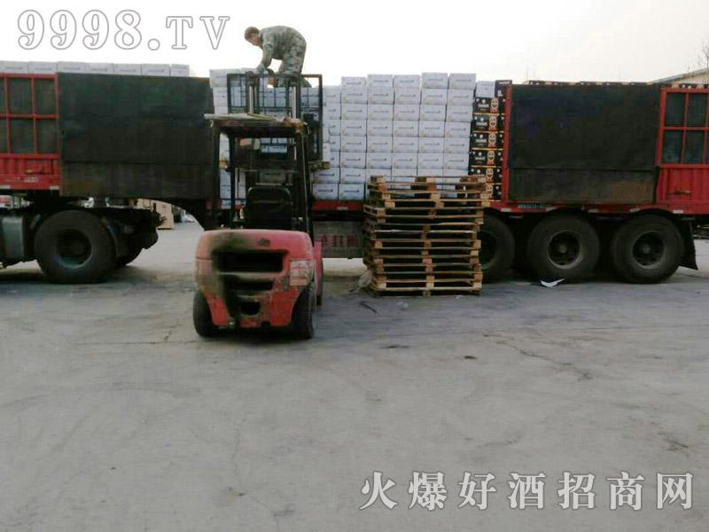 美林小镇千赢国际手机版汽车运输(31)