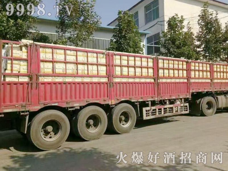 美林小镇啤酒汽车运输(29)