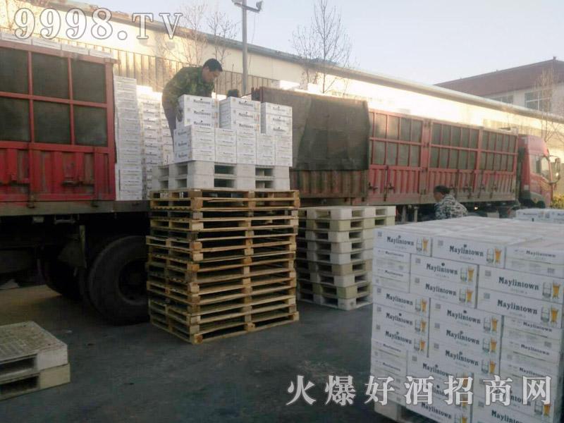 美林小镇啤酒汽车运输(23)