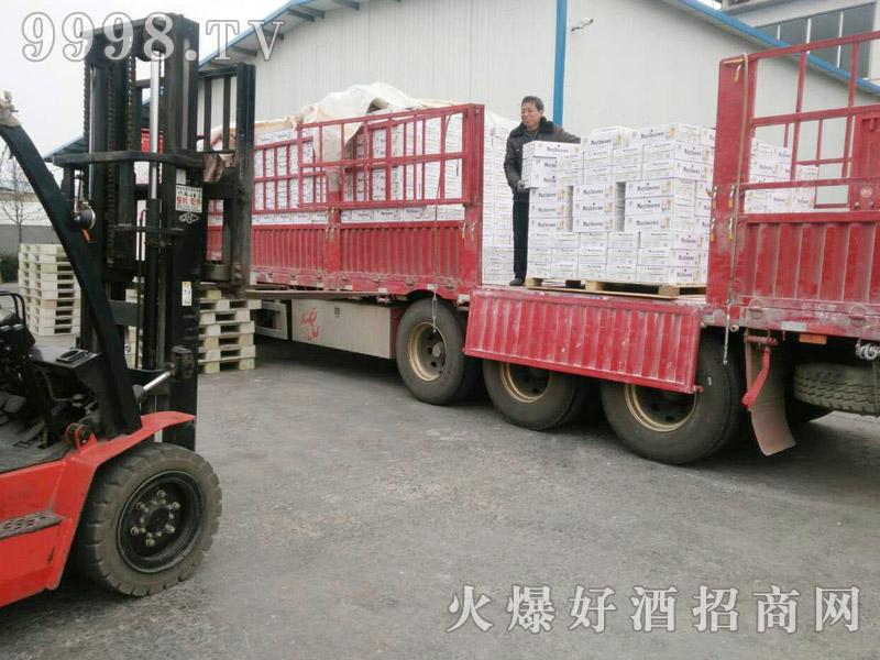 美林小镇啤酒汽车运输(21)