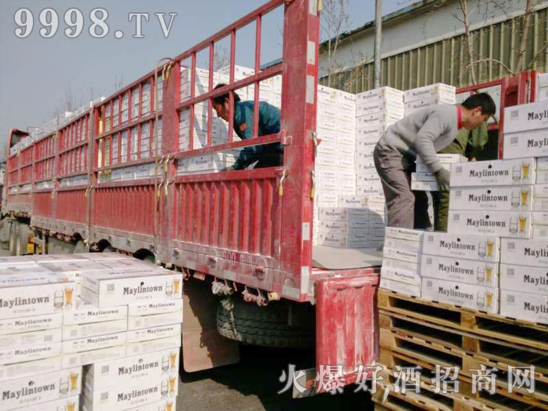 美林小镇啤酒汽车运输(9)