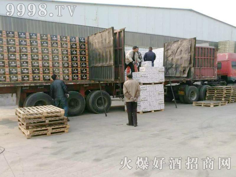 美林小镇千赢国际手机版汽车运输(8)