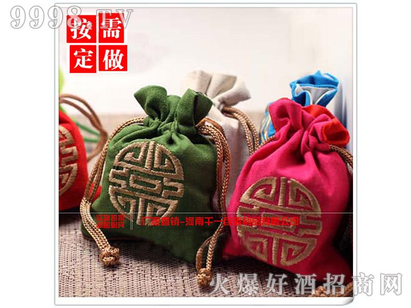 抽绳刺绣收纳袋首饰袋