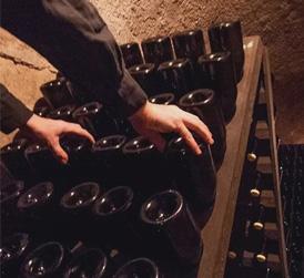 面对新冠病毒,全体香槟果农及酒庄团结一心、共抗疫情