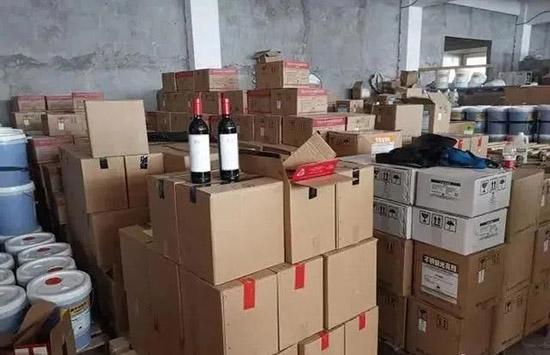 广州警方破获1.3亿元假酒产业链,虚假报税单、质检证等一应俱全!