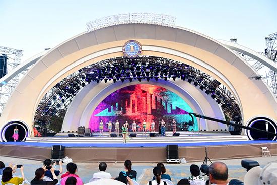 第31届青岛国际啤酒节秀场直击!啤酒文化时装秀在金沙滩啤酒城精彩开幕!