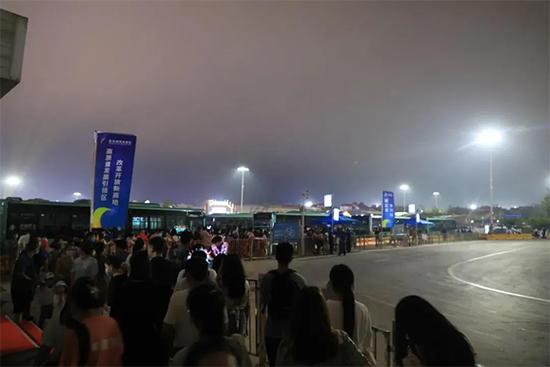 第31届青岛国际啤酒节:18.4万人乘坐免费真情巴士畅游啤酒节!