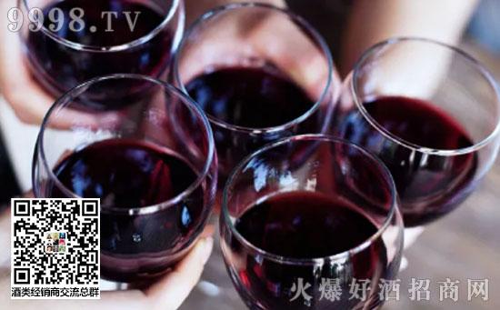 望-闻-品三步判断葡萄酒的质量