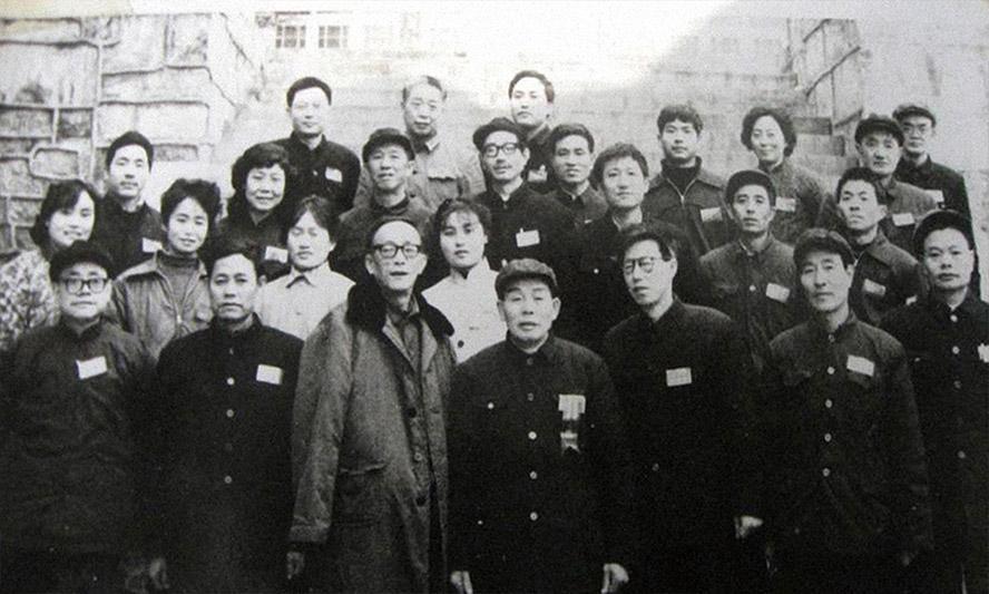 1985年,季克良等参加茅台酒易地生产试验鉴定会